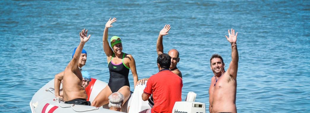 Cruce a nado de la Laguna Cochicó