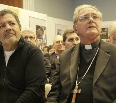 """""""Gestos y Palabras: Jorge Mario Bergoglio, una presencia original"""","""