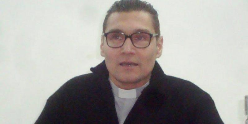 Padre Walter París y el aborto